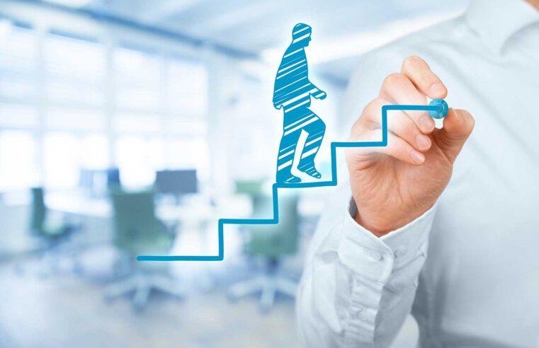 4 patarimai smulkiajam verslui, padėsiantys lengviau žengti pirmyn